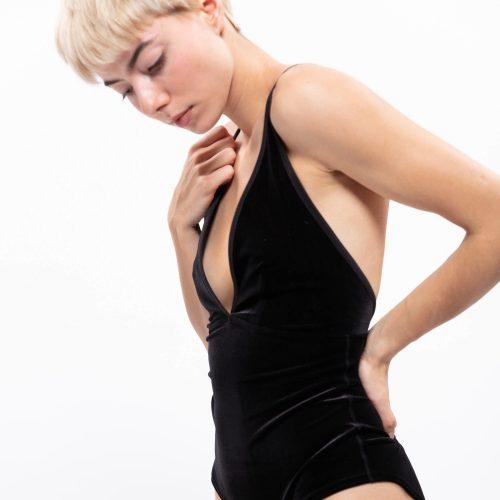 Le Body Babe en Velours#BODY_BABE-black_SimoneWild00654-1.jpg