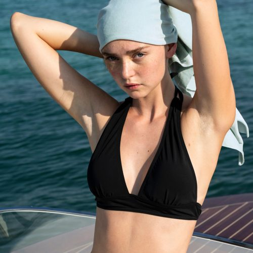Tea Bikini Top#Imagecruise2018_modell60-b_42-b_mit-tuch_low.jpg